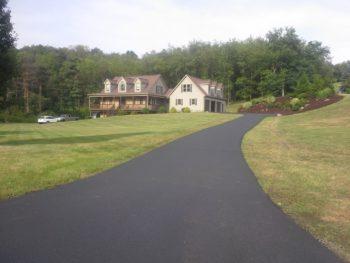 new-asphalt-driveway-greensburg-pa